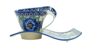 Cup with a tray (A41 D74)
