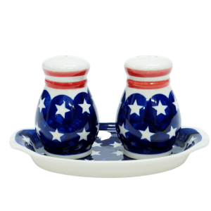 Salt and pepper shakers (A12 D32)