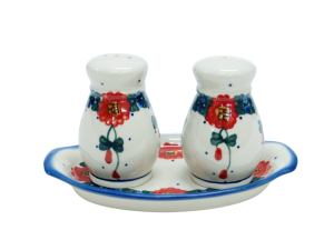 Salt and pepper shakers (A12 D10)